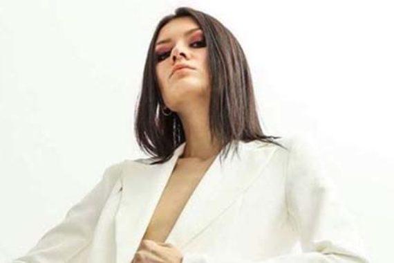 modella M,aryna