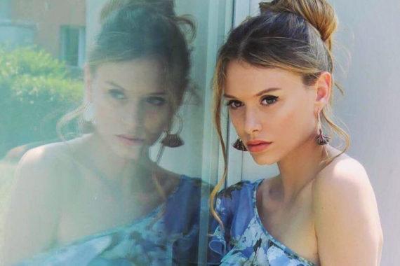 modella Rebecca